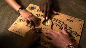The Ultimate Ouija Box Szenenbild 1