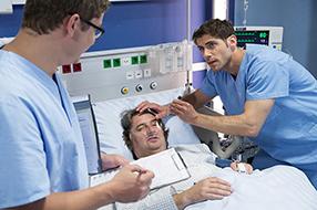 In aller Freundschaft - Die jungen Ärzte Szenenbild 3