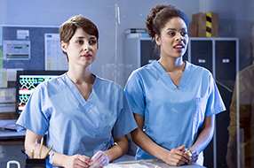 In aller Freundschaft - Die jungen Ärzte Szenenbild 8